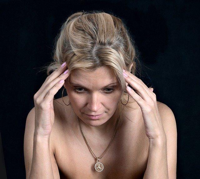 片頭痛 不眠 胃腸トラブル エストロゲンに原因